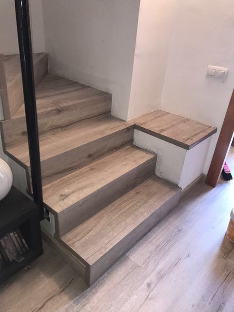 Forrado de escaleras con suelo laminado 3